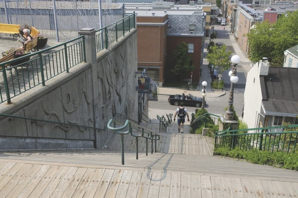 escalier_de_la_chapelle_g